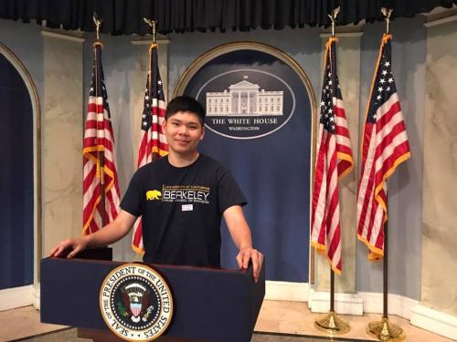 Nguyễn Duy Hải Đăng đã tốt nghiệp ngành Hóa Sinh, Đại học California, Berkeley (UC Berkeley).