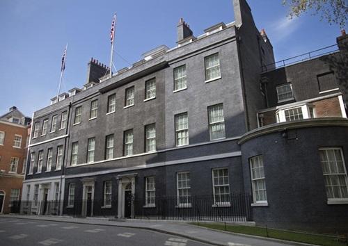 Dinh thủ tướng Anh ở số 10 phố Downing, London. Ảnh: Londonist.