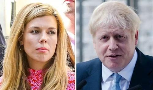 Tân Thủ tướng Anh Boris Johnsonvà bạn gái Carrie Symonds. Ảnh: Sun.