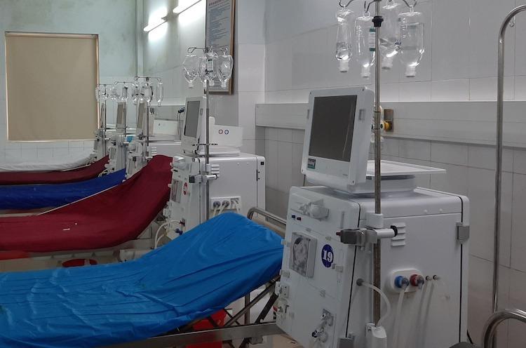 Hệ thống máy lọc thận tại bệnh viện hữu nghị đa khoa Nghệ An đang bị dừng để kiểm tra.