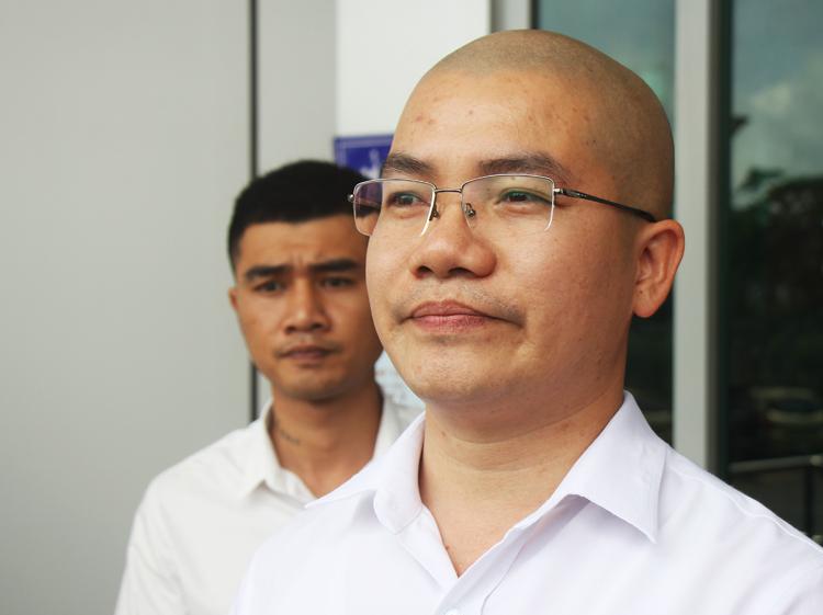 Ông Nguyễn Thái Luyện sau buổi làm việc với Sở Thông tin Truyền thông Bà Rịa - Vũng Tàu. Ảnh: Nguyễn Khoa.