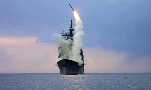Tàu chiến Mỹ khai hỏa tên lửa hành trìnhTomahawk trong một cuộc diễn tập. Ảnh: US Navy.