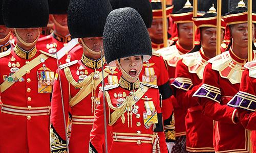 Bà Sineenat Wongvajirapakdi khi còn làchỉ huy cấp cao lực lượng cận vệ của nhà vua. Ảnh: Reuters
