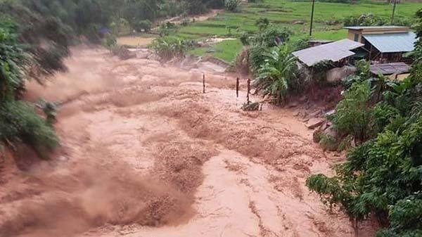 Lũ ập về đột ngột khiến người dân ở các bản làng ở xã Na Mèo không kịp trở tay. Ảnh: Q.Sơn.