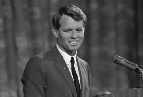 Robert F. Kennedy, em của cố tổng thống John F. Kennedy. Ảnh: ET.