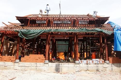 Sau bốn tháng thi công, chánh điện chùa Từ Hiếu đang thành hình. Ảnh: Võ Thạnh