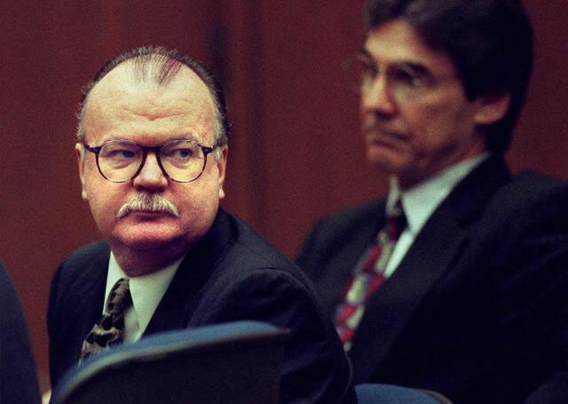 John Orr (trái) tại tòa.