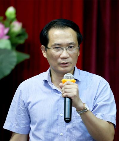 Ông PhạmNgọc Anh, Trưởng phòng Giáo dục và Đào tạo quận Cầu Giấy, tại cuộc họp báo ngày 7/8. Ảnh: Tât Định.