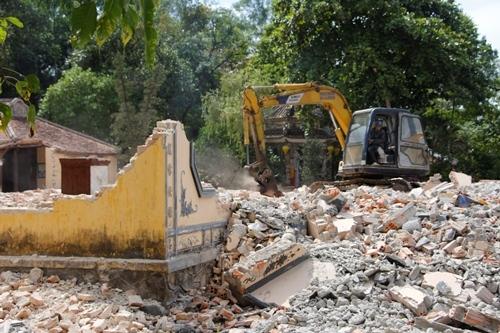 Chánh điện chùa bị phá bỏ hoàn toàn để làm mới. Ảnh: Võ Thạnh