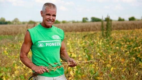 Dave Kestel, nông dân trồng đậu nành và ngô tại hạt Will, bang Illinois. Ảnh: AFP.