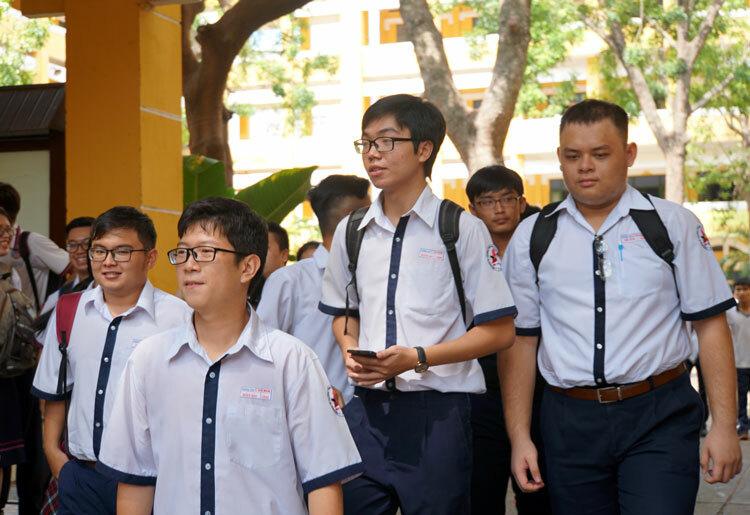 Thí sinh dự thi THPT quốc gia năm 2019 tại TP HCM. Ảnh: Mạnh Tùng.