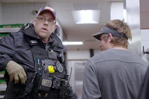 Scott Gribble bắt Bryce tại cửa hàng đồ ăn nhanh. Ảnh: BBC.