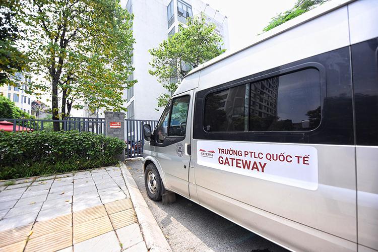 Ôtô chuyên chở học sinh trường quốc tế Gateway. Ảnh: Giang Huy.