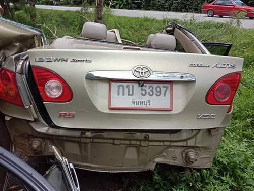 Xe gặp nạn là một chiếc Altis.