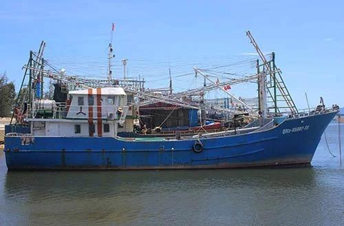 Tàu của ngư dân Phan Thu nằm ở âu thuyền Hồng Triều, xã Duy Nghĩa, huyện Duy Xuyên hai năm nay. Ảnh:Đắc Thành.