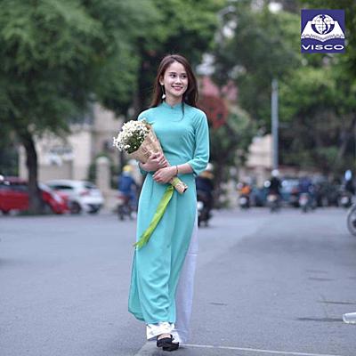 Nguyễn Thu Uyên – Học bổng Đại học Huddersfield.