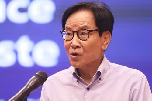 Ông Kim In Hwan, Nguyên Bộ trưởng Môi trường Hàn Quốc. Ảnh: Gia Chính