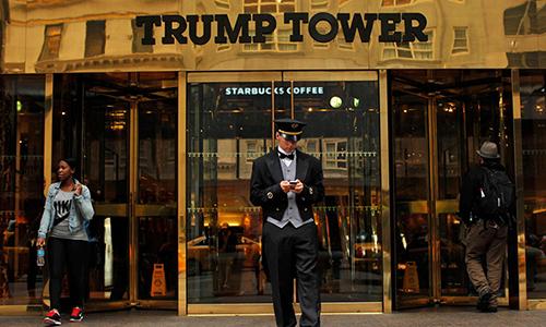 Khu vực sảnh chính của Tháp Trump ở Manhattan, New York. Ảnh: Reuters.