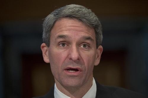 Giám đốc Sở Nhập tịch và Di trú Mỹ Ken Cuccinelli. Ảnh: AP.