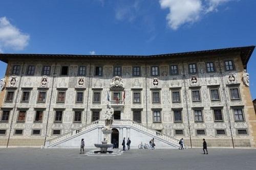 Tòa nhà đặc trưng Scuola Normale Superiore di Pisa. Ảnh: TripAdvisor