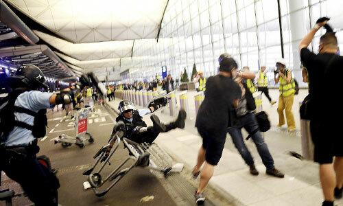Đêm bạo loạn ở sân bay Hong Kong
