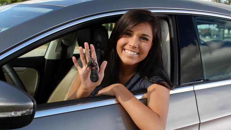 Du học sinh có thể thi bằng lái sau khi ở Đức tối thiểu 6 tháng. Ảnh: Cordaro Driving School