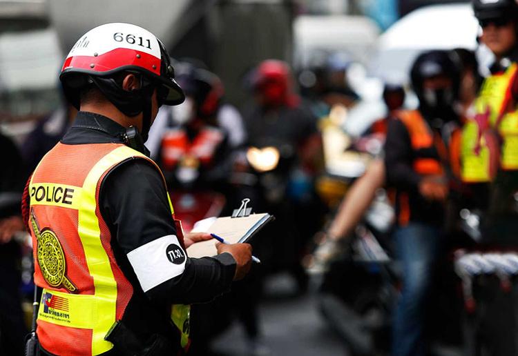 Một cảnh sát giao thông tại Bangkok. Ảnh: AFP.