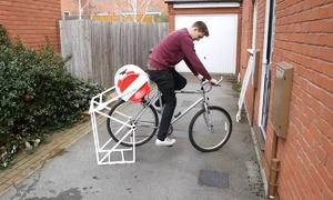 Thiết bị giặt đồ di động vận hành bằng xe đạp ở châu Phi