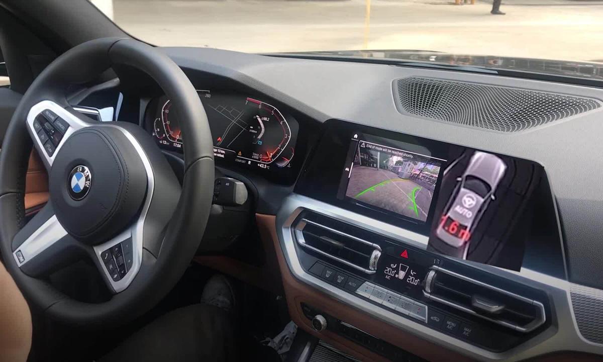 Hỗ trợ đánh lái khi lùi xe - tính năng trợ giúp tài xế mới