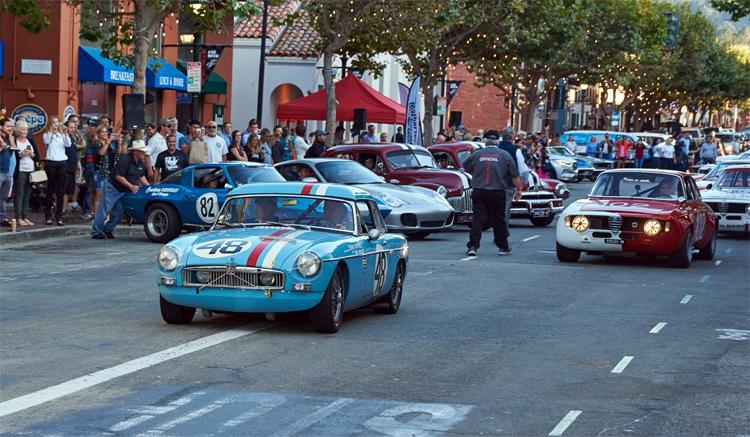 Các nhà sưu tập mang những mẫu xe cổ nhất, đặc biệt nhất, hiếm nhất và đắt nhất tới tuần lễ xe hơi Monterey.