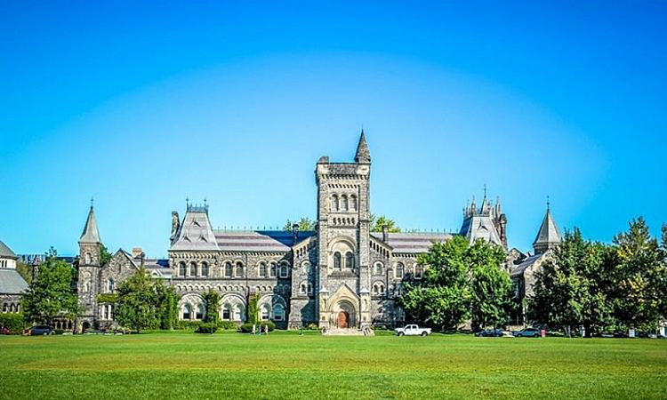 Một góc Đại học Toronto, Canada. Ảnh: Topuniversities