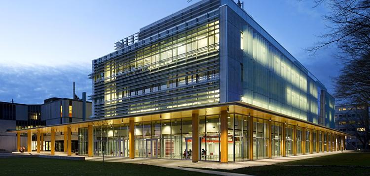 [Trung tâm nghiên cứu khoa học của Đại học British Columbia. Ảnh Naturally Wood