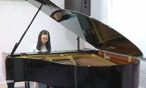 Buổi học piano đầu tiên của sinh viên 63 tuổi ở Sài Gòn