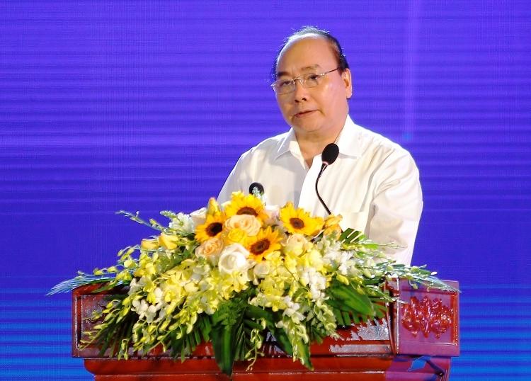 Thủ tướng Nguyễn Xuân Phúc yêu cầu xây dựng quy hoạch vùng để phát triển kinh tế miền Trung, tại hội nghị ngày 20/8, ở Quy Nhơn. Ảnh: Nguyễn Dũng.