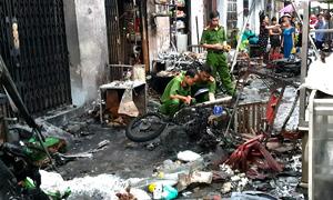Nổ hàng trăm bình gas do té ngã, 6 ki ốt Sài Gòn bị thiêu rụi