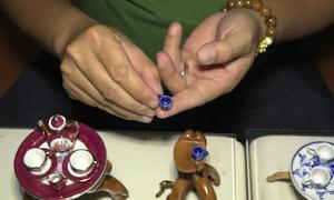 Bộ sưu tập gốm sứ mini hơn 100 món