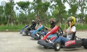 Giới trẻ trải nghiệm tốc độ trên xe F1 mini