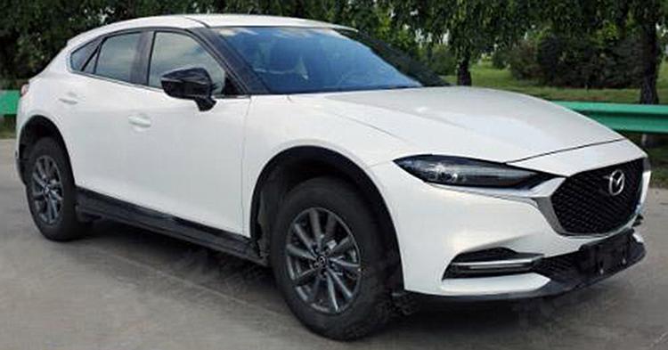 Mazda CX-4 rò rỉ ảnh thiết kế ở bản nâng cấp sắp ra mắt.