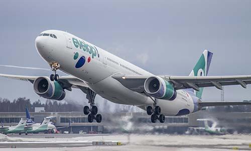 Một máy bay của hãng hàng không Evelop. Ảnh: Flickr.