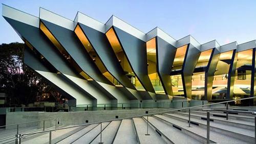 Tòa nhà biểu tượng của Đại học Quốc gia Australia. Ảnh: Topuniveristies