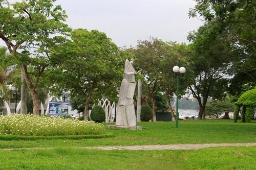 Công viên 3/2, nơi sẽ đặt bức tượng Người đàn ông cúi đầu. Ảnh: Võ Thạnh