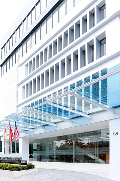 Trường Đại học Quốc tế Sài Gòn cung cấp môi trường giảng dạy, học tập và sinh hoạt tiêu chuẩn quốc tế.