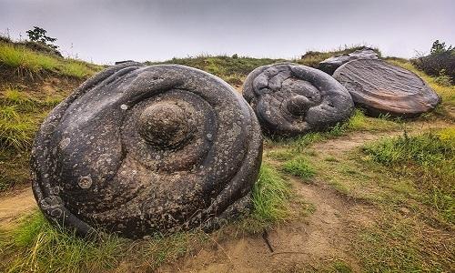 Bãi đá trovant ở làng Costesti. Ảnh: Wikipedia.
