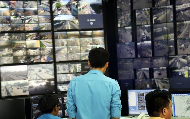Mạng lưới camera giám sát tại TP HCM còn thiếu và quản lý chưa được đồng bộ. Ảnh: Hữu Nguyên