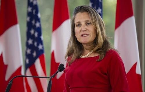 Ngoại trưởng Canada Chrystia Freeland tạibuổi họp báo ở Ottawa hôm 22/8. Ảnh: AFP.