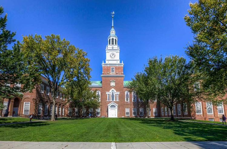 Toà nhà biểu tượng ở Đại học Dartmouth. Ảnh: YouVisit