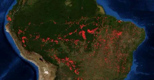 Ảnh vệ tinh cho thấy quy mô các vụ cháy rừng Amazon. Ảnh: NASA.
