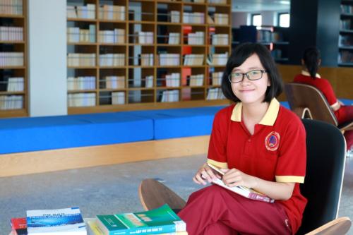 Lê Thị Diệu - Nữ sinh được cấp học bổng toàn phần 4 năm đại học tại SIU.