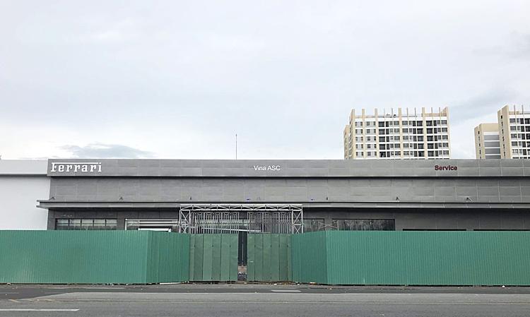 Showroom Ferrari chính hãng đang được xây dựng tại quận 7, TP HCM. Ảnh: Dương Nhật Quang