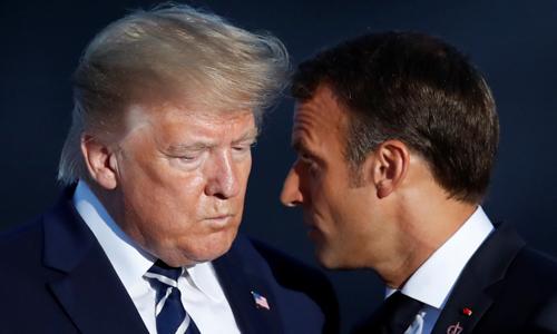 Tổng thống Mỹ Donald Trump (trái) và Tổng thống Pháp Emmanuel Macron tại hội nghị thượng đỉnh G7 ở Biarritz, Pháp hôm 25/8. Ảnh: Reuters.